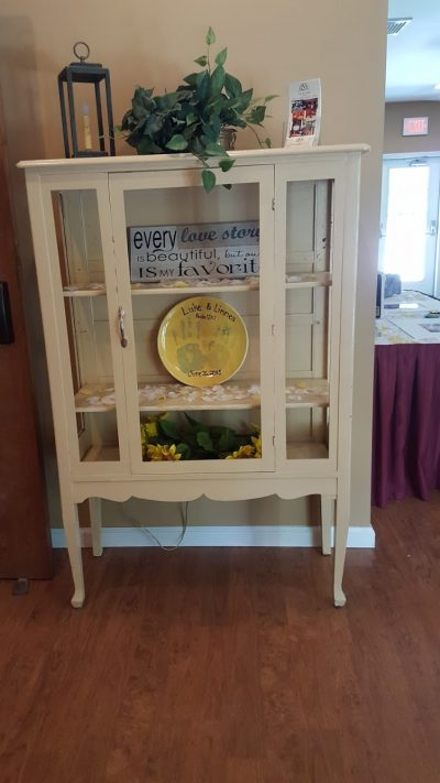 Decorative cabinet